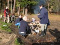 pečení buřtů