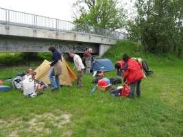 budování tábora